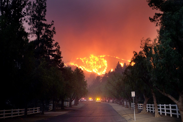 Ranch「Fast-Spreading Hill and Woolsey Fires Force Evacuations In California's Ventura County」:写真・画像(0)[壁紙.com]
