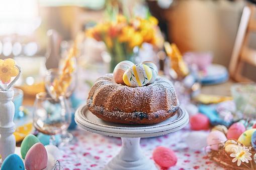 Religion「Easter Bunt Cake」:スマホ壁紙(8)