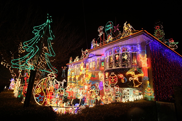Christmas「Suburbia Lights Up For Christmas」:写真・画像(15)[壁紙.com]