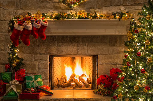 Poinsettia「Christmas fireplace, tree, stockings, fire, hearth, lights, decorations」:スマホ壁紙(5)