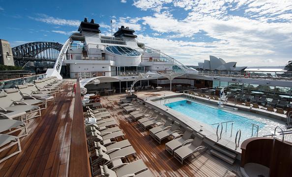 背景「Seabourn Encore Visits Sydney Harbour」:写真・画像(2)[壁紙.com]