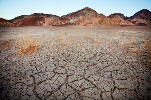 Drought「Barren earth in Death Valley」:スマホ壁紙(19)