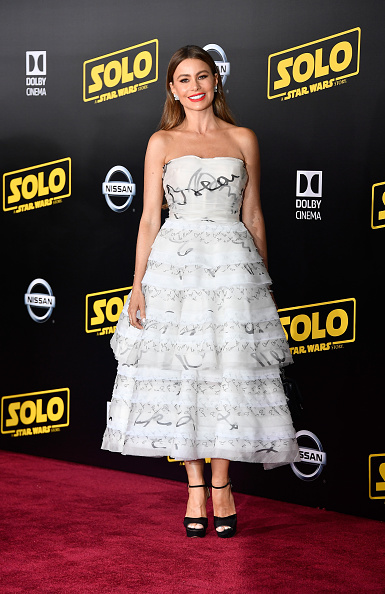 """Sofia Vergara「Premiere Of Disney Pictures And Lucasfilm's """"Solo: A Star Wars Story"""" - Arrivals」:写真・画像(4)[壁紙.com]"""