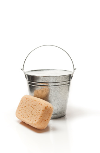 Soap「Bucket of water and sponge for cleaning」:スマホ壁紙(9)