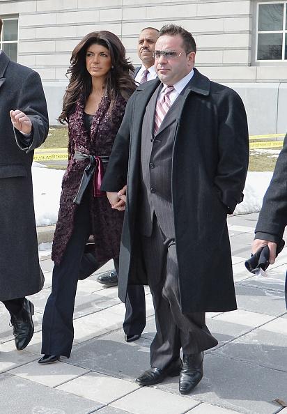 Hiding「Teresa And Joe Giudice Court Appearance」:写真・画像(10)[壁紙.com]