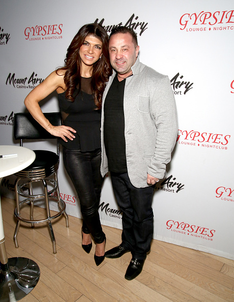 Fully Unbuttoned「Teresa Giudice Makes First Public Appearance At Mount Airy Casino Resort」:写真・画像(14)[壁紙.com]