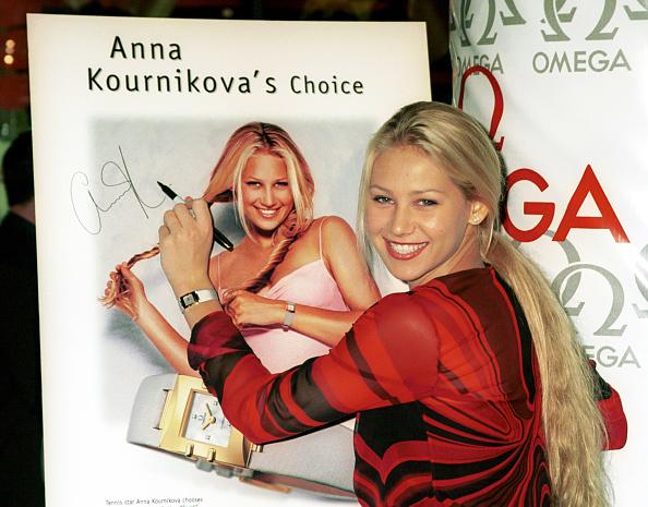Representing「Tennis Star Anna Kournikova」:写真・画像(8)[壁紙.com]