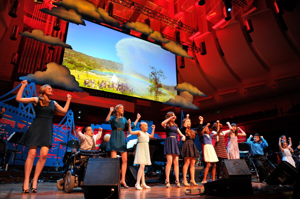 Stage - Performance Space「UCSF Medical Center And The Painted Turtle Present A Starry Evening Of Music, Comedy & Surprises」:写真・画像(2)[壁紙.com]