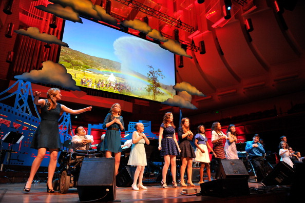 Stage - Performance Space「UCSF Medical Center And The Painted Turtle Present A Starry Evening Of Music, Comedy & Surprises」:写真・画像(4)[壁紙.com]