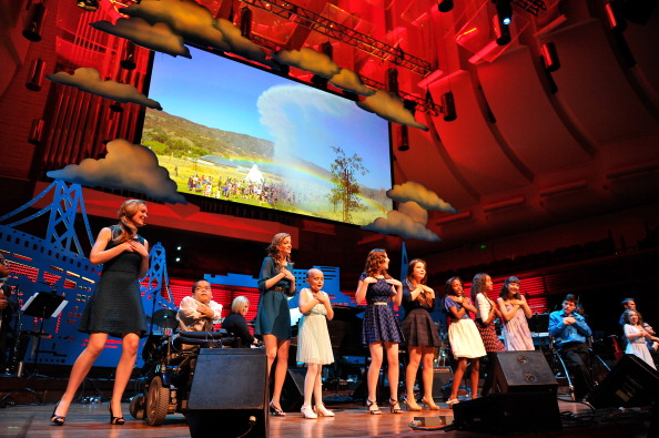 Stage - Performance Space「UCSF Medical Center And The Painted Turtle Present A Starry Evening Of Music, Comedy & Surprises」:写真・画像(3)[壁紙.com]