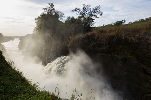 Murchison Falls「The Nile forces through a narrow gorge at Murchison Falls National Park, Uganda」:スマホ壁紙(17)