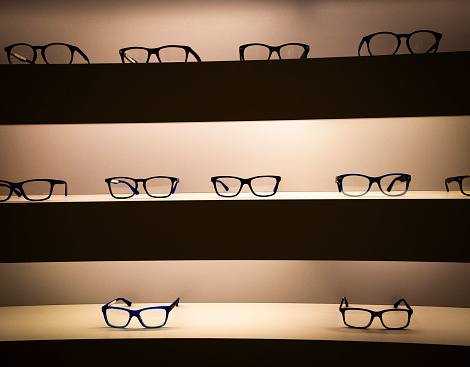 Eyesight「Eyeglass frames on shelves」:スマホ壁紙(5)