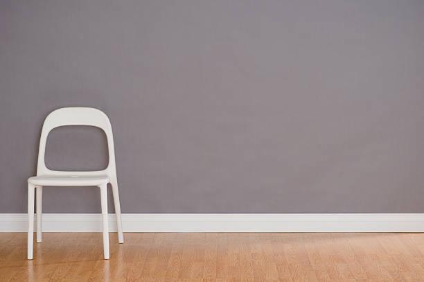 One Modern Plastic Chair:スマホ壁紙(壁紙.com)