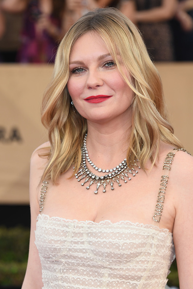 Kirsten Dunst「23rd Annual Screen Actors Guild Awards - Arrivals」:写真・画像(0)[壁紙.com]