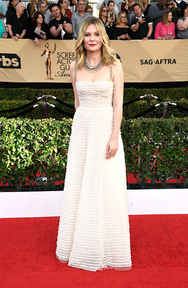Kirsten Dunst「The 23rd Annual Screen Actors Guild Awards - Arrivals」:写真・画像(11)[壁紙.com]