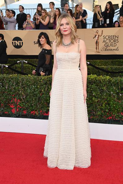 Kirsten Dunst「23rd Annual Screen Actors Guild Awards - Arrivals」:写真・画像(17)[壁紙.com]