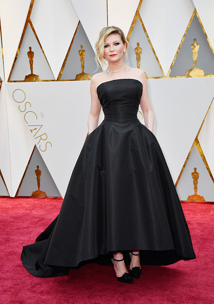 Kirsten Dunst「89th Annual Academy Awards - Arrivals」:写真・画像(9)[壁紙.com]