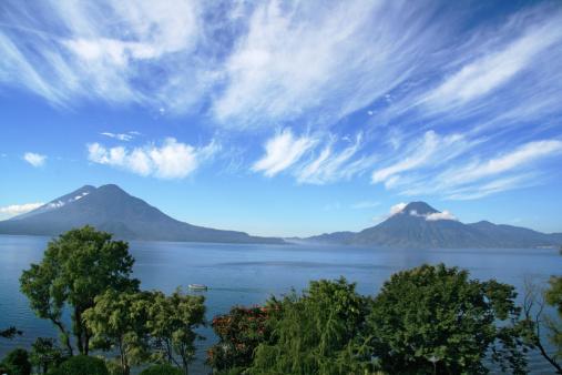 Lake Atitlan「Lake Atitlan volcanos San Pedro and Toliman in  Panajachel, Guatemala」:スマホ壁紙(19)