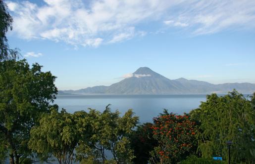 Lake Atitlan「Lake Atitlan and volcano St. Pedro in Guatemala.」:スマホ壁紙(8)