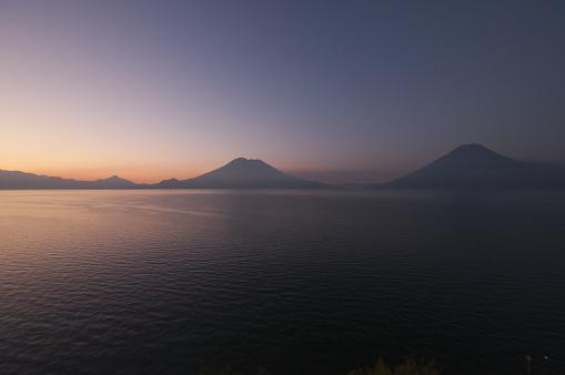 Lake Atitlan「Lake Atitlan landscape at sunset」:スマホ壁紙(6)