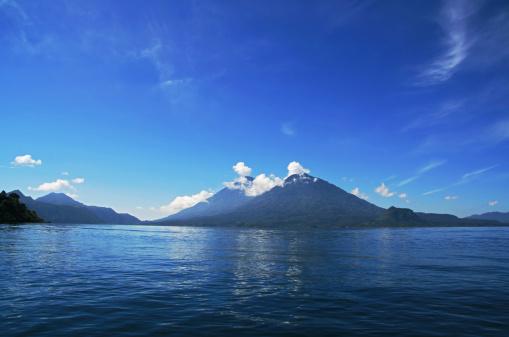 Lake Atitlan「Lake Atitlan and volcano San Pedro in town Panajachel, Guatemala」:スマホ壁紙(3)