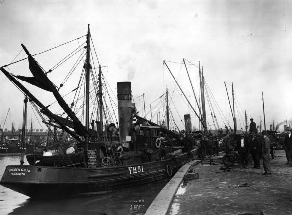 Fisherman「Herring Trawler」:写真・画像(14)[壁紙.com]