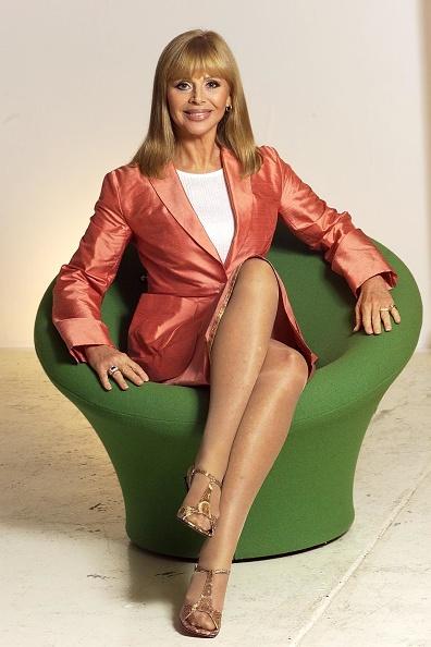 Armchair「Britt Ekland」:写真・画像(9)[壁紙.com]
