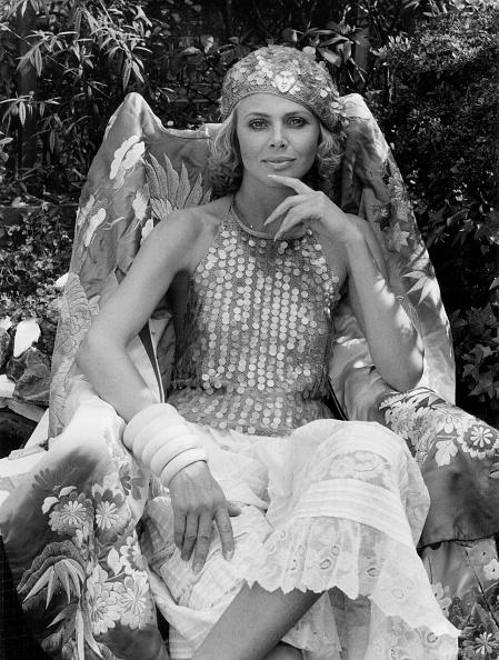 Sequin「Britt Ekland」:写真・画像(3)[壁紙.com]