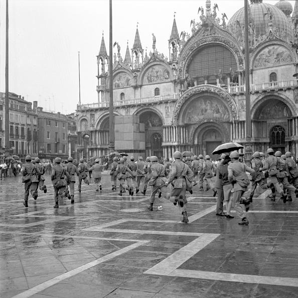 San Marco Quarter「Running」:写真・画像(9)[壁紙.com]