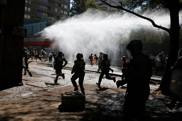 Santiago Metropolitan Region「International Women's Day Demonstrations In Santiago」:写真・画像(14)[壁紙.com]