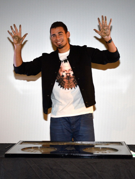 Mann Theaters「Afrojack Immortalized With Hand And Footprint Ceremony At The TCL Chinese」:写真・画像(13)[壁紙.com]