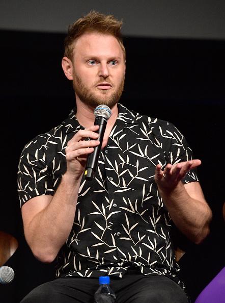 背景に人「Netflix's Queer Eye And GLSEN Event At NueuHouse Hollywood」:写真・画像(18)[壁紙.com]