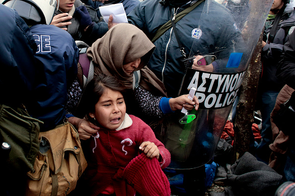 Roped Off「Migrants Stuck On Greek Border As New Restrictions Are Enforced」:写真・画像(14)[壁紙.com]