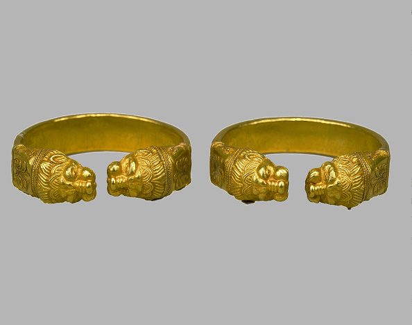 Art Product「Bracelets, 4th century BC. Artist: Scythian Art」:写真・画像(9)[壁紙.com]