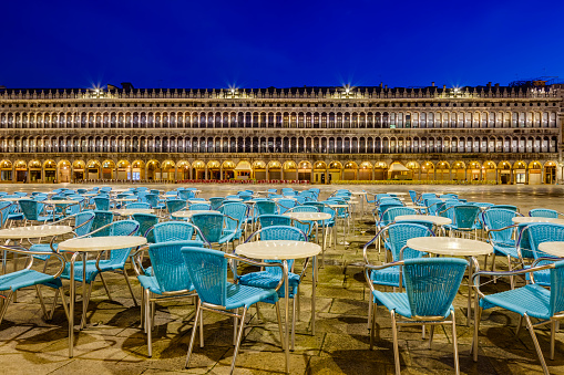 St「St Mark's Square at dawn」:スマホ壁紙(15)