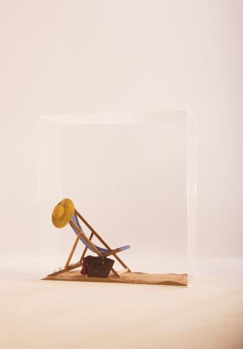 Deck Chair「Deckchair and hat in glass cabinet」:スマホ壁紙(14)