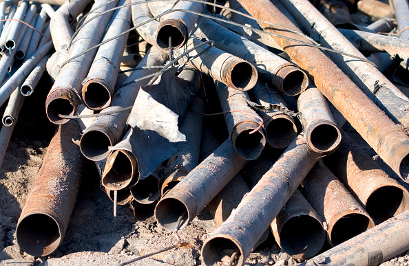 Finance and Economy「Pile of broken pipes」:写真・画像(18)[壁紙.com]