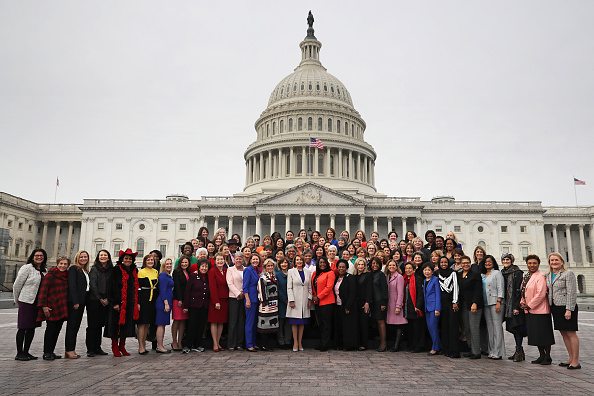 Large Group Of People「House Speaker Nancy Pelosi And All House Democratic Women Pose For Group Photo At Capitol」:写真・画像(15)[壁紙.com]