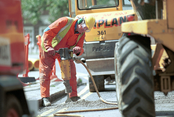 Noise「Public Utilities. Man working on a road with a jack hammer」:写真・画像(3)[壁紙.com]