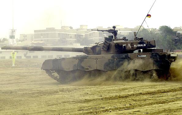 Pakistan「Ideas 2002 Showcases Military Equipment」:写真・画像(5)[壁紙.com]