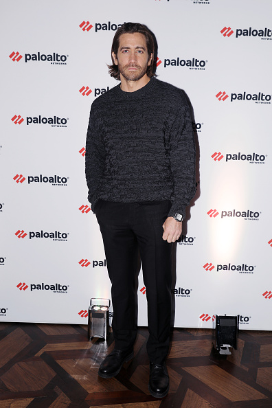 Jake Gyllenhaal「Jake Gyllenhaal And Palo Alto Networks CEO Nikesh Arora Discuss The Role Cybersecurity Plays In Hollywood Today」:写真・画像(3)[壁紙.com]