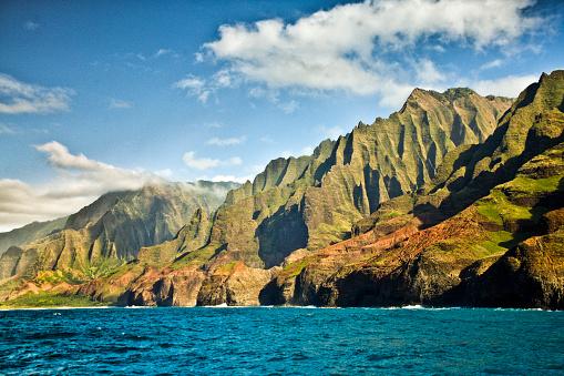 Kalalau Valley「Mysterious Misty Na Pali Coast and Waimea Canyon, Kauai, Hawaii」:スマホ壁紙(10)