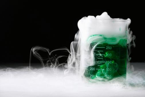 Dry Ice「Mysterious smoking liquid in beaker」:スマホ壁紙(8)