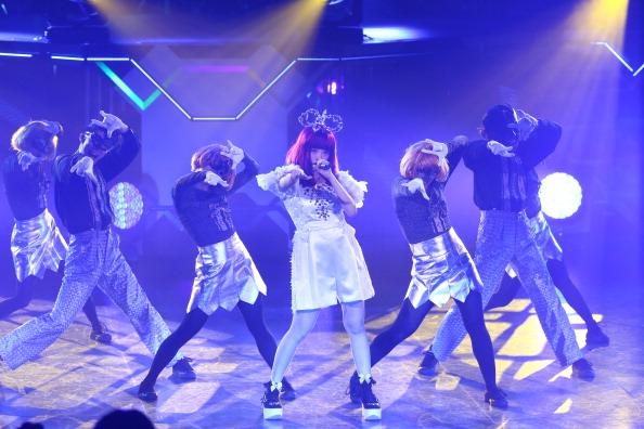 きゃりーぱみゅぱみゅ「MTV Video Music Awards Japan 2014 - Show」:写真・画像(8)[壁紙.com]