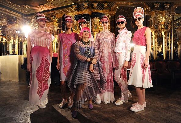 London Fashion Week「Zandra Rhodes - Presentation - LFW SS16」:写真・画像(2)[壁紙.com]