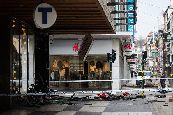 Stockholm「Aftermath of Stockholm Truck Attack」:写真・画像(5)[壁紙.com]
