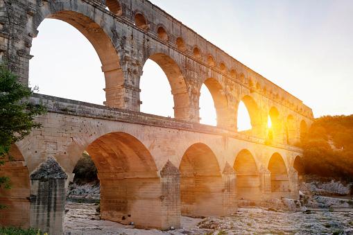 France「Sun shining through aqueduct」:スマホ壁紙(2)