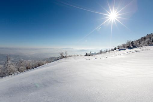 Ski Resort「Sun shining on snow, China」:スマホ壁紙(1)