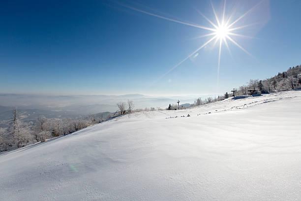 Sun shining on snow, China:スマホ壁紙(壁紙.com)