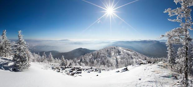 Ski Resort「Sun shining on snow, China」:スマホ壁紙(14)